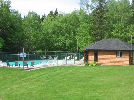 Clode Sound Motel's Pool & Hot Tub